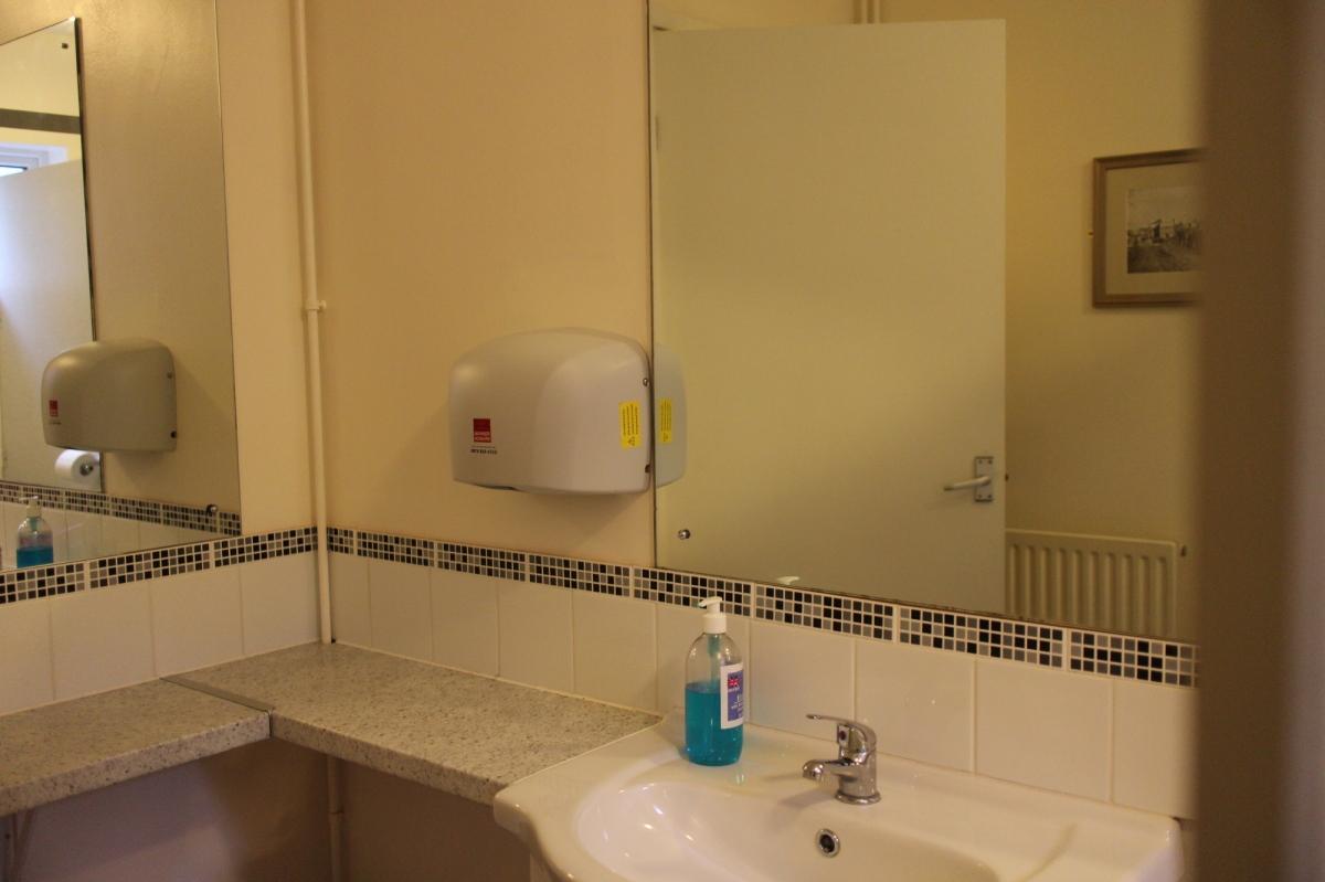 handbasin